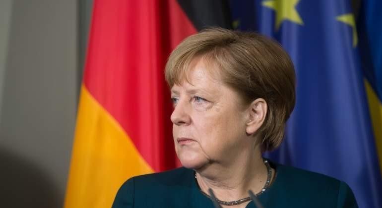 merkel-banderas-alemania-ue